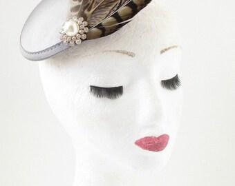 Silver Grey Brown Pheasant Feather Fascinator White Races Vintage Hair Clip 8AK