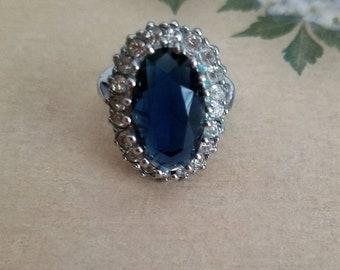 Beautiful blue stone ring with rhinestones, Size 6