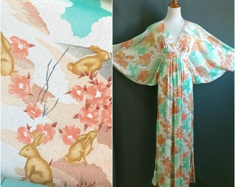 1970s bunny print maxi dress, 1970s caftan, vintage novelty print, vintage rabbit dress, cape sleeve dress, 1970s novelty print, plus size