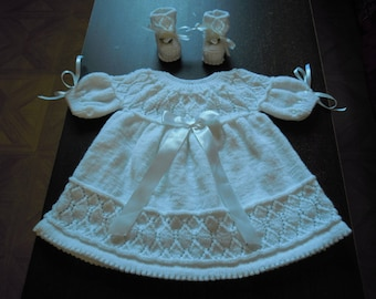white dress for baby 3 / 6 months