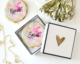 10 Personalized Floral Compacts- Bridesmaids Gifts - Bridal Party Gifts - Maid of Honor - Wedding Favors (Set of 10)