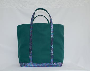 Tote bag in turquoise green cotton with dark blue multicolor sequins