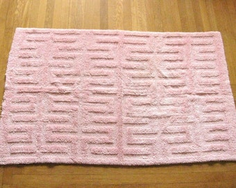 "CHENILLE RUG / PINK Area Throw Rug / Large 53"" x 32"" / Vintage"