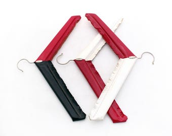 Vintage set hangers 70s, Clothes hangers plastic, Set of 3 plastic hangers black red and white colors