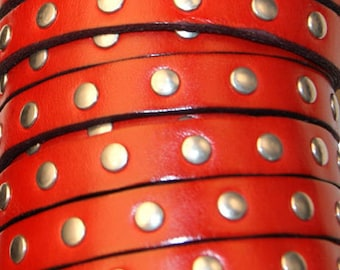 20 cm leather strap 10 mm flat studded Red