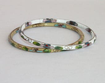 Vintage Cloisonne Bangles Set of Two Thin Bangle Bracelets White and Yellow Enamel 1960s or 1970s