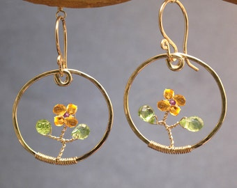 Hammered circles with 'flowers' of Citrine, Peridot Bohemian 32