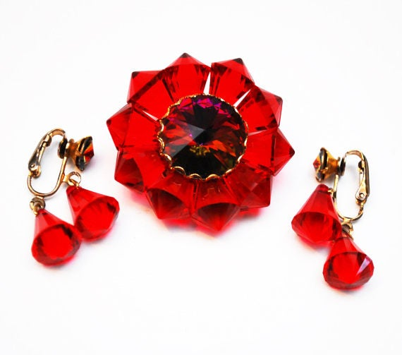 Ruby flower Brooch and earrings  Rivoli Rhinestone   Red Lucite floral  clip on earrings  Mid Century jewelry set