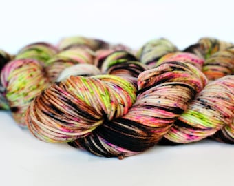 SOOTY PETALS 246 yards/ Posh DK Yarn/ superwash merino 4 ply speckle dyed