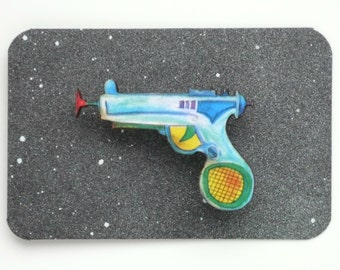 Raygun Brooch Boys Retro Ray Gun Badge Laser Gun Pin Laser Cut Wood Geekery Gift Stocking Filler