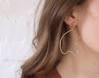 Gold Line Drawing Earrings  // Abstract Wire Art Jewelry // Wire Wrapped Earrings