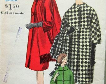 Vintage Vogue 5666 Sewing Pattern, 1960s Coat Pattern, Barrel Coat, 1960s Sewing Pattern, Bust 32, Mod Coat Pattern, Three Quarter Sleeves