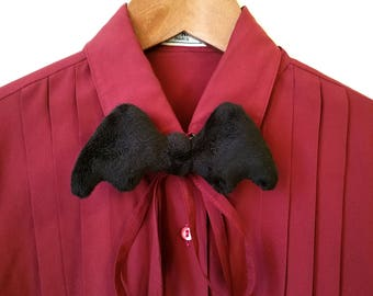 Spooky Cute Bat Wing Bowtie - Gothic Fashion Accessory