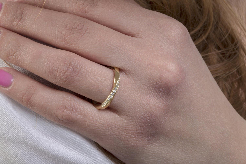 Mobius ring Diamond mobius ring Micropave mobius ring