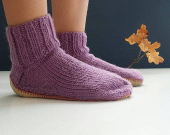 Kids Handknitted Socks, kids slippers, kids anti skid slippers, kids socks,anti skid  socks, woolen socks,sole socks
