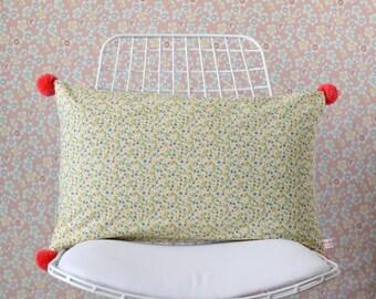 Pompom Pillow Cover