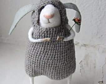 Felt mouse.The little felt mouse.Mouse wool.