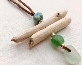 Sea glasses pendant, sea glasses necklace, driftwood jewelry, driftwood pendant, driftwood necklace