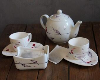 Tasse à café ou thé Illustrée pour un moment détente/ Fait main / Peinture sur porcelaine blanche