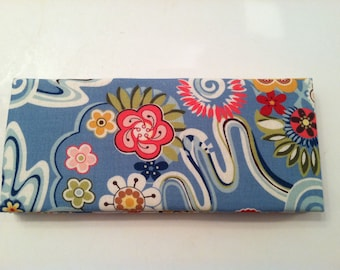 Magic Wallet - Billfold Floral on Blue
