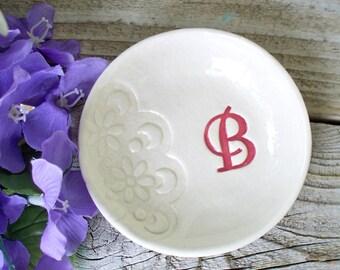 Doily Lace Monogrammed Ring Dish, Bridesmaid Gift Dish, Ring Bowl,Bridesmaid Jewelry Bowl, Ring Dish Monogram,Ring Dish Wedding,Personalized
