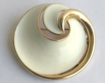 Vintage Crown Trifari White Enamel Gold Swirl Circle Brooch,  Alfred Philippe 1970's Trifari Brooch