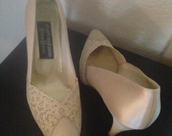 Vintage Stuart Weitzman Cream Wedding Heels SIZE 9n one of a kind!