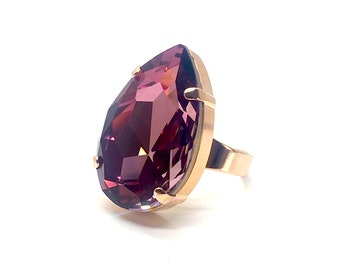 Ring ' The drop ' 30 x 20 mm rose gold with Swarovski crystals ' antique pink '