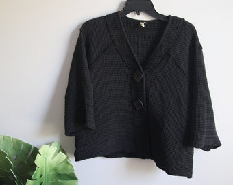 VINTAGE DA Black Big Button Cropped Kimono: Oversized Cardigan
