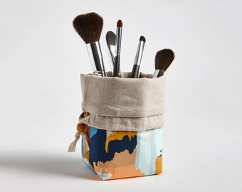 Travel Makeup Brush Holder, Makeup bag Makeup Brush Organizer Cosmetic Organizer in Painted Strokes, Gifts under 30