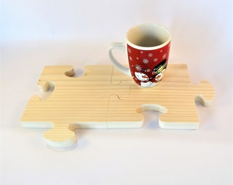 Double trivet, cutting board, made of natural pine wood square puzzle piece, for the kitchen, dishes hot food cutouts