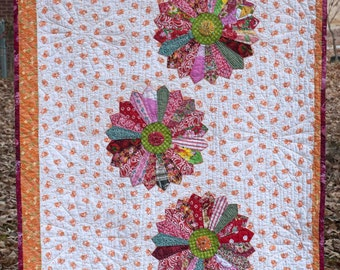 Boho baby Dresden plate baby quilt