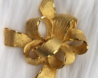 Vintage Bow Brooch 1960s 1970s Costume Jewelry Vintage Present Brooch Brushed Gold