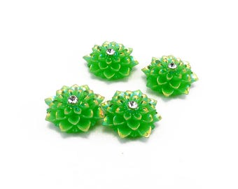Set of 4 green 20 mm resin dahlia cabochons
