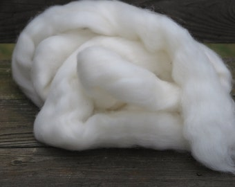 Finn Top Undyed  4 ounces, natural roving