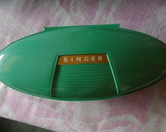 Vintage Singer Torpedo Style Buttonholer Attachment, 1960s, Green Plastic Case, Vintage Sewing Machine Attachment for Making Buttonholes