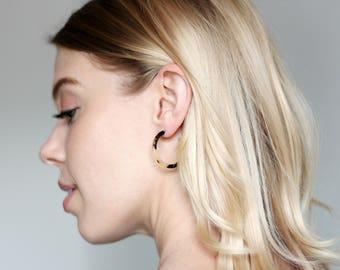 Mini Hoops Earrings in Blonde Torotise