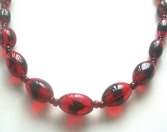 Glass Bead Necklace Marbled Red & Black Graduated Beads 24 Inches
