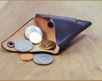 Triangle cash wallet , minimalist leather wallet, Leather coin purse, pocket wallet, geometric wallet