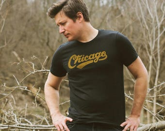 Chicago Retro Club Script Vintage Unisex T-Shirt. Slim Fit Solid-Black Tee. Shirt for Men Women. Illinois Midwest Pride.