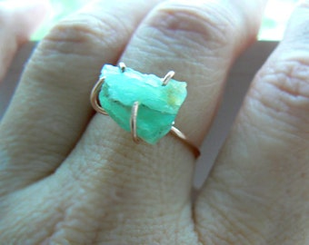Raw Peruvian opal gold ring- Green raw opal rose gold filled ring- Rough stone ring- size 8- Jewelry women ring- Fashion, trendy ring