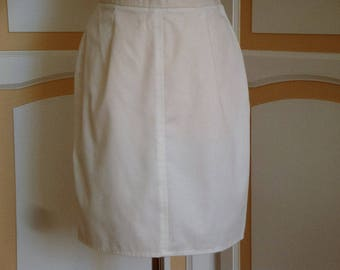 Vintage White Skirt size 14
