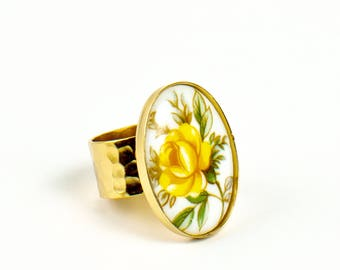 Vintage Yellow  Rose Cameo Ring, Vintage Ring, Floral Jewelry, Statement Ring