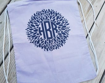 Flower monogram bag, flower monogram gym bag, gym bag, Monogrammed gym bag, scool bag, Monogrammed school bag, Monogrammed tote, monograms