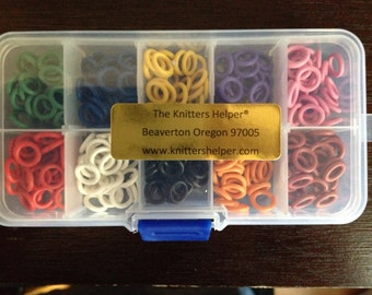 Complete set of Medium Stitch Markers! 10 different colors! 300 Stitch Markers!! Comes in plastic storage box!  10mm OD