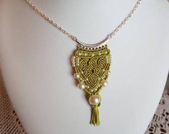 Green macrame silk thread necklace