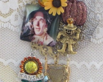 Wizard of OZ Brooch - The SCARECROW - Not In KANSAS - Pin