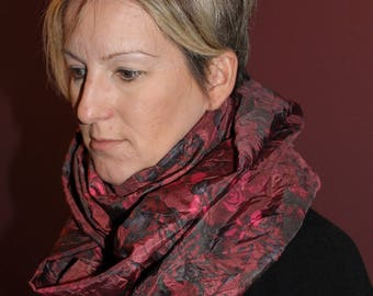 snood, hood or protects red shoulders and roir patterns fabric flowers