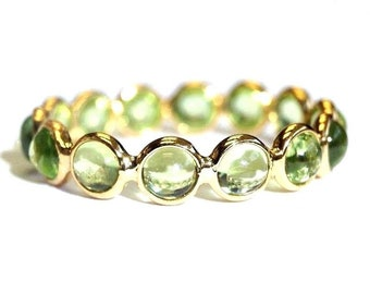 18K Yellow Gold Green Peridot Cabochon Eternity Band Ring Size 5.5