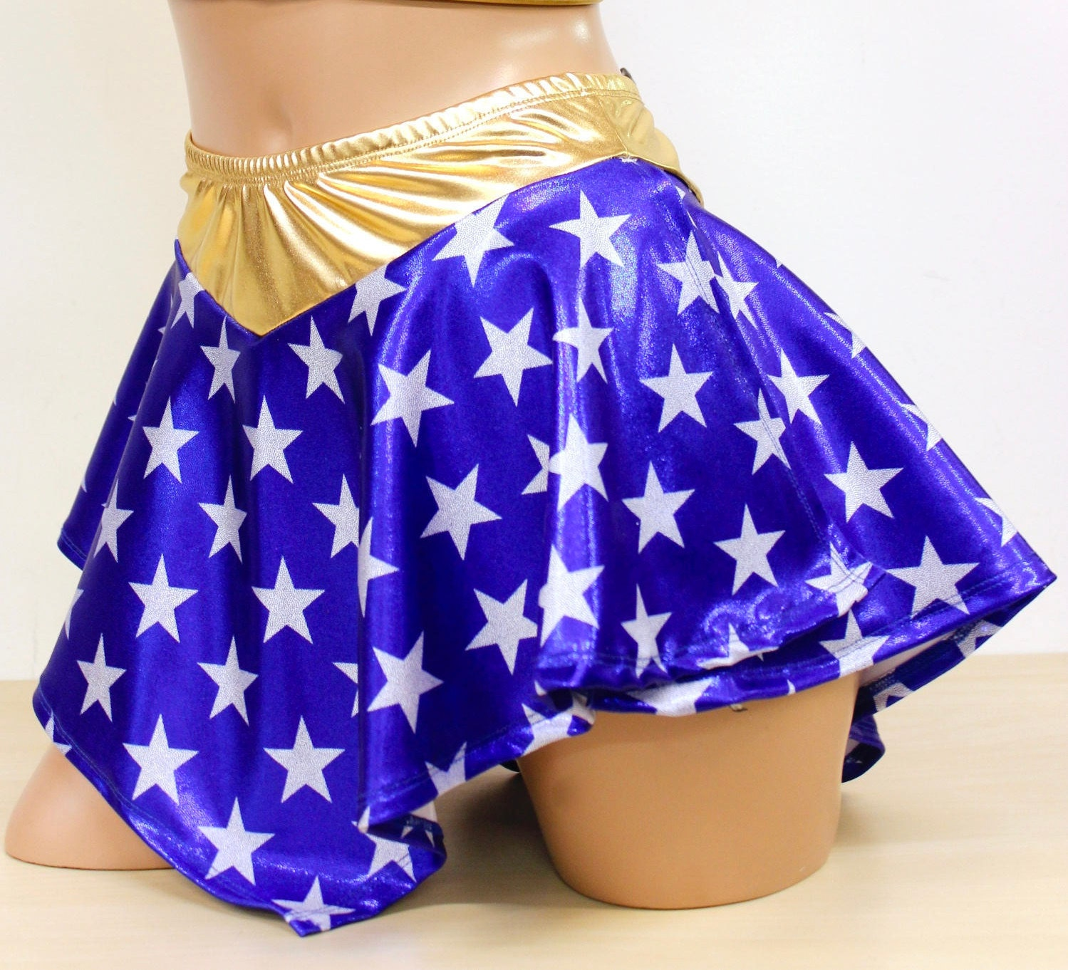 Beautiful Wonder Woman Skirt | Www.artfire.com/ext/shop/product_view/8u2026 | Flickr
